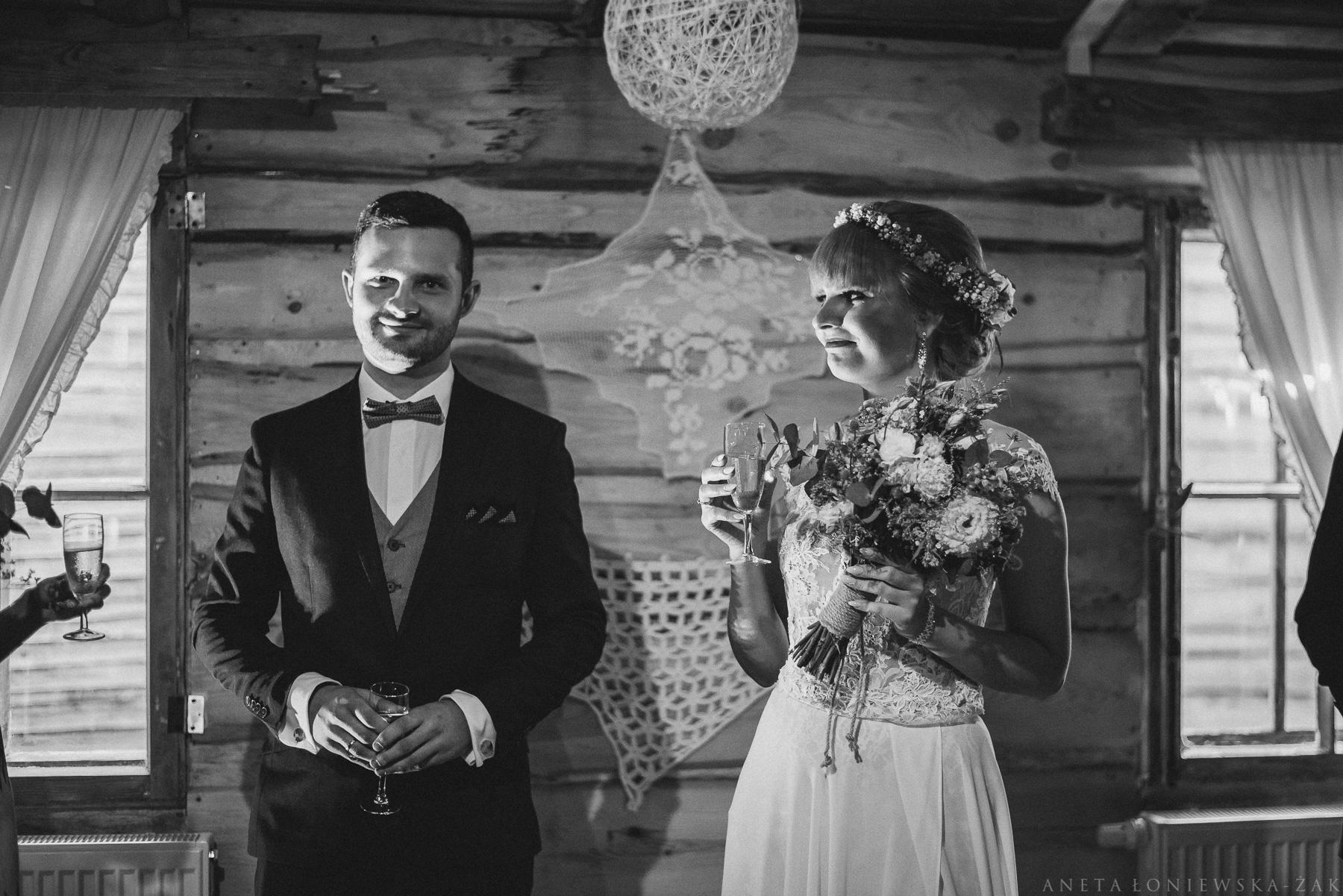 fotograf ślubny Białystok, fotograf ślubny podlaskie, ślub plenerowy podlasie, ślub rustykalny białystok, naturalna fotografia ślubna, ślub w majątku howieny