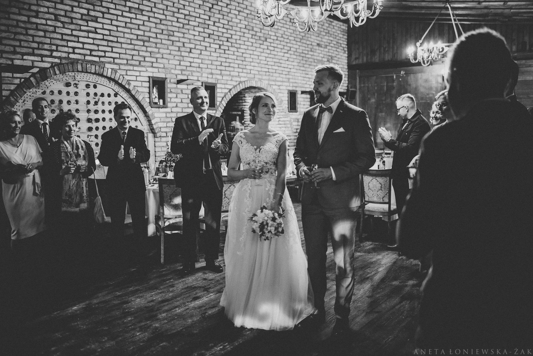fotograf ślubny Białystok, wesele w Camelocie, Camelot, fotograf ślubny podlaskie, ślub plenerowy podlasie, ślub rustykalny białystok, naturalna fotografia ślubna